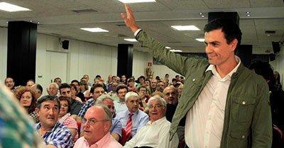 Pedro Sánchez mantiene un encuentro con militantes