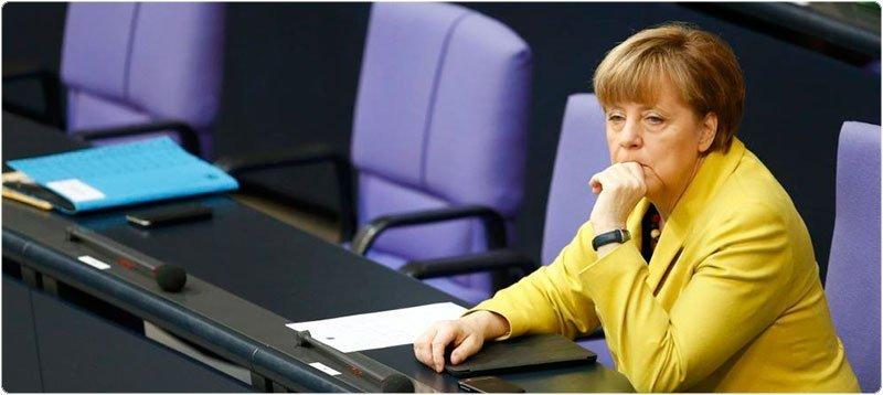 La canciller alemana Angela Merkel, en su escaño del Bundestag. (Reuters)