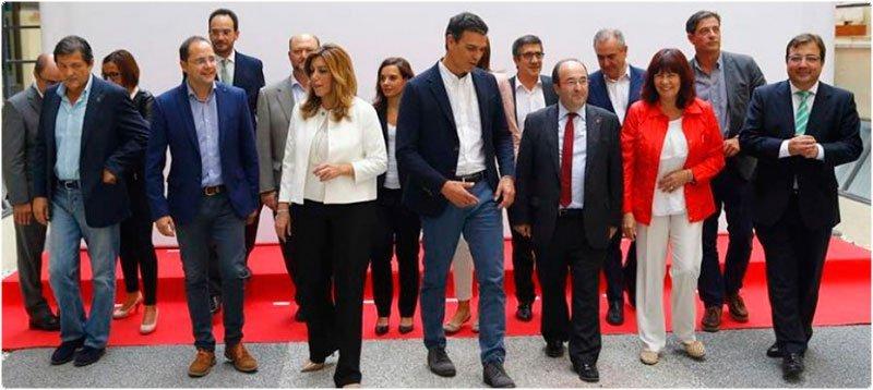 Los líderes regionales del PSOE con Pedro Sánchez (EFE)