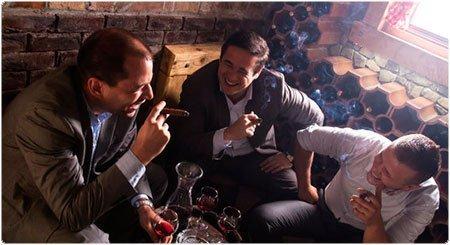 Los hombres que hablaban de las mujeres. Foto: Istock