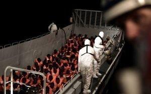 Migrantes rescatados por el Aquarius. / REUTERS