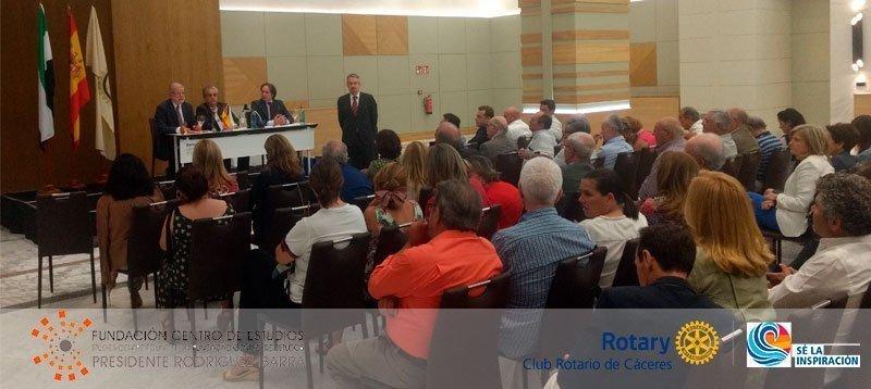 Conferencia en el Club Rotario de Cáceres