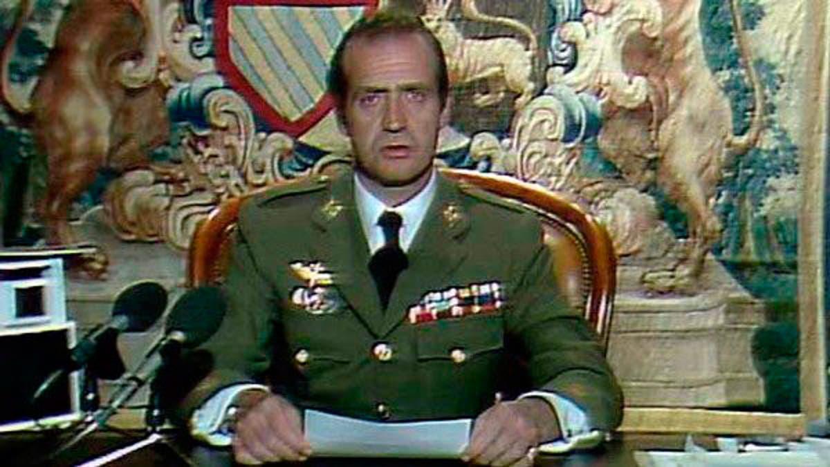 El rey Juan Carlos I, durante su discurso a la nación ante el golpe de Estado del 23-F